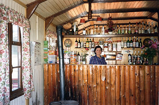 Louise Pachoud cabane Adrian Sire.jpg
