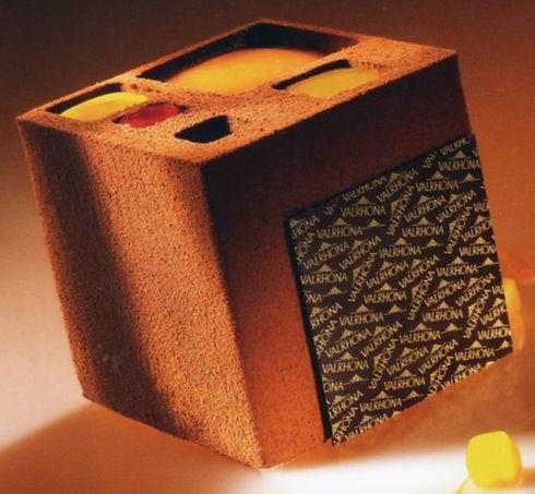 cube intense .jpg