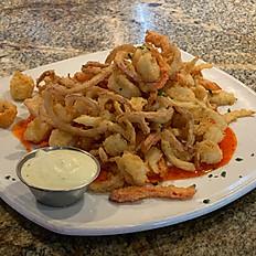 Crispy Calamari, Peppers & Onions