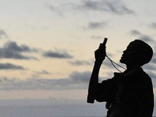 Kenya 'destroying mobile phone masts in Somalia'
