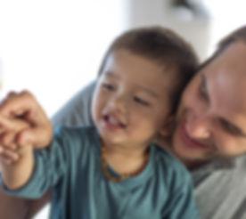 Couple gay avec leur fils
