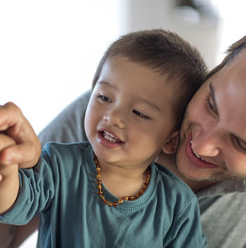 Coppia gay con il loro figlio