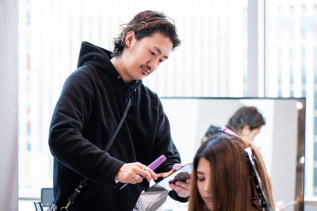 【美容師のカラー技術】