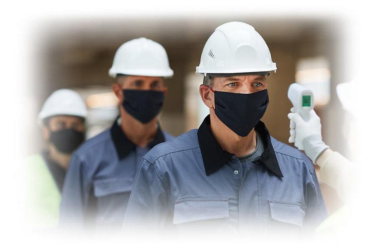 פועלים-עם-מסכות-באתר-בנייה.jpg