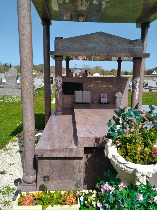 MONUMENT FUNERAIRE LA GRANITERIE CORREZI