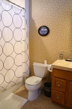 Shared room 1 bathroom