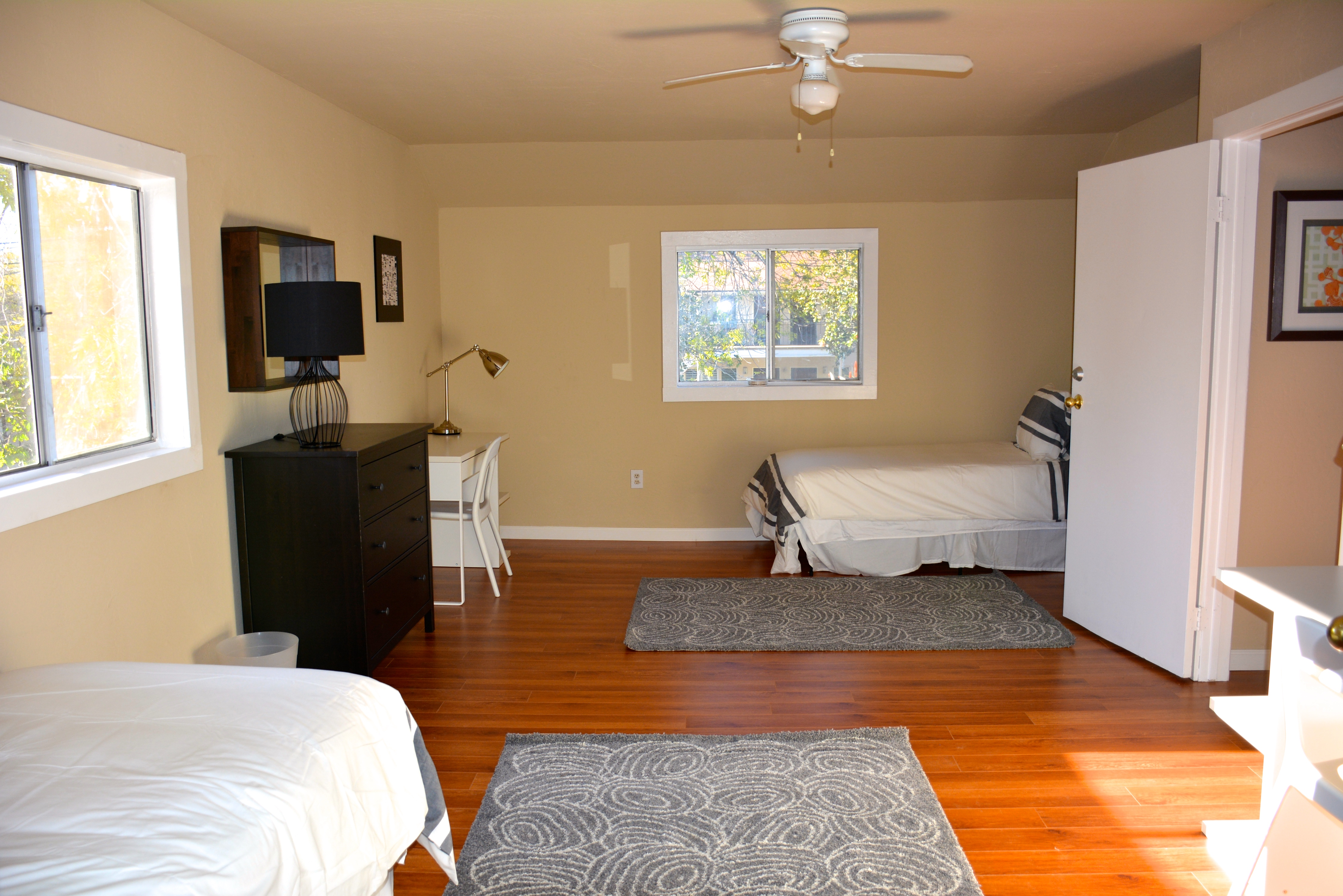 Downtown House B shared room