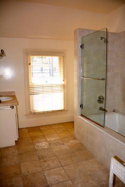 Shared room 2 with balcony bathroom