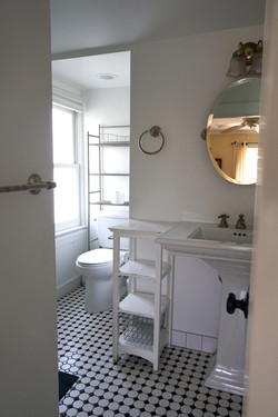 Madeleine's Manor bathroom