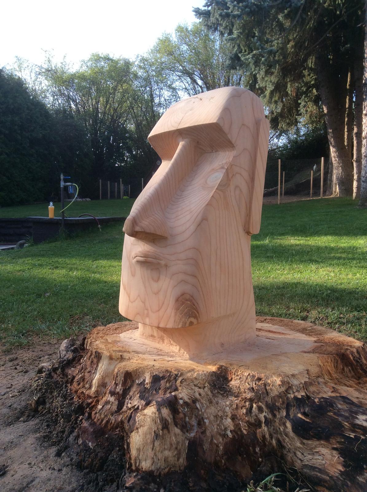 moai zedern | alzey-worms | chainsaw carvings schnaitmann