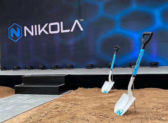 Nikola Shovels Close Up.jpg