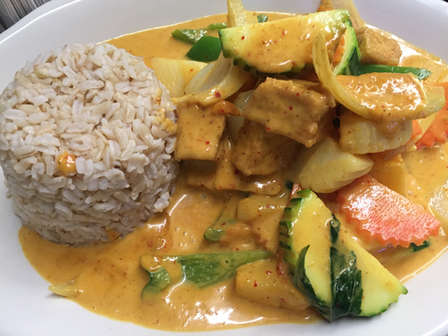 Yellow Curry Tofu with brown rice