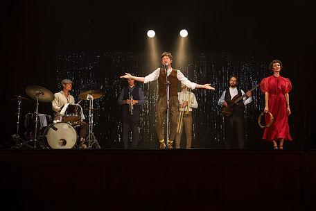 Onstage band David Brugman.jpg