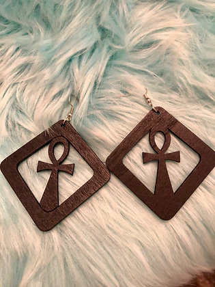 small, squared Ankh earrings(black)