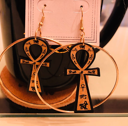 Light colored, wooden Ankh, W./ gold circle