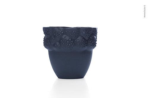Handmade Black Porcelain Vessel 'Asclépiade' – 450ml (15.8 fl oz)