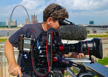 Bill-with-FS7-and-Cine-Lens-St.-Louis-(Small).jpg