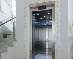 elevadores-com-casa-de-maquinas-01.jpg