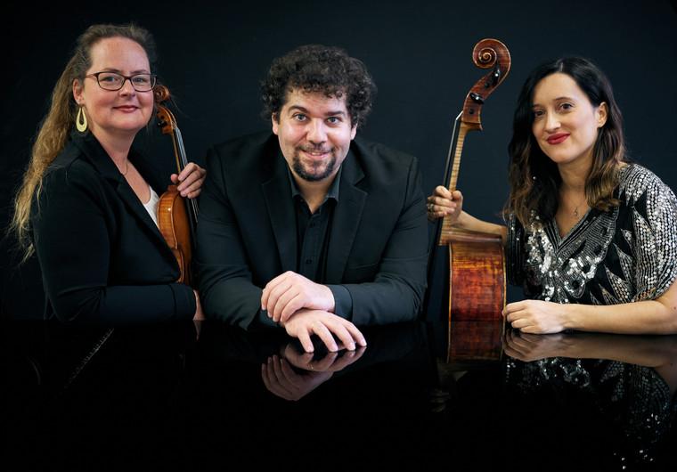 Trio 1.jpg