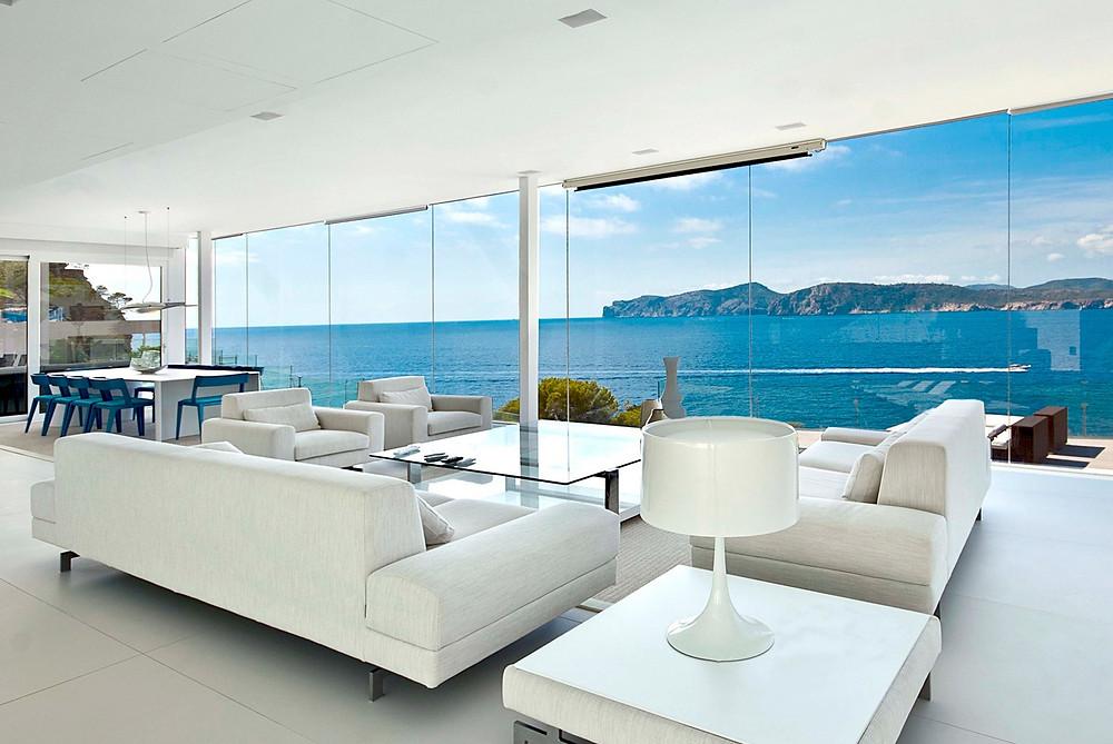 1-White-sofas.jpg