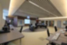 salle de commandes-cabine de controle-poste de garde-systeme d'affichage-sonorisation-visioconference