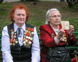 Old soldiers being interviewed 2005