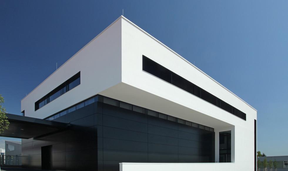 AMG_Designcenter_Nordwestansicht.JPG