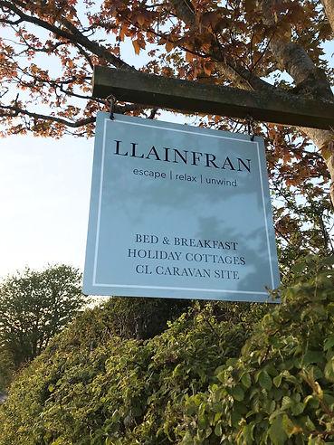 Llainfran Sign.jpg