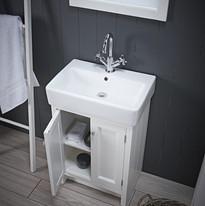 Hampton-countertop-unit-chalk-white-open