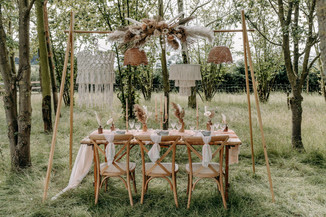 Boho table setting with hanging elements