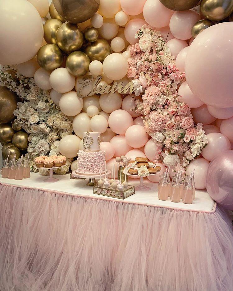 pink desert table balloon display