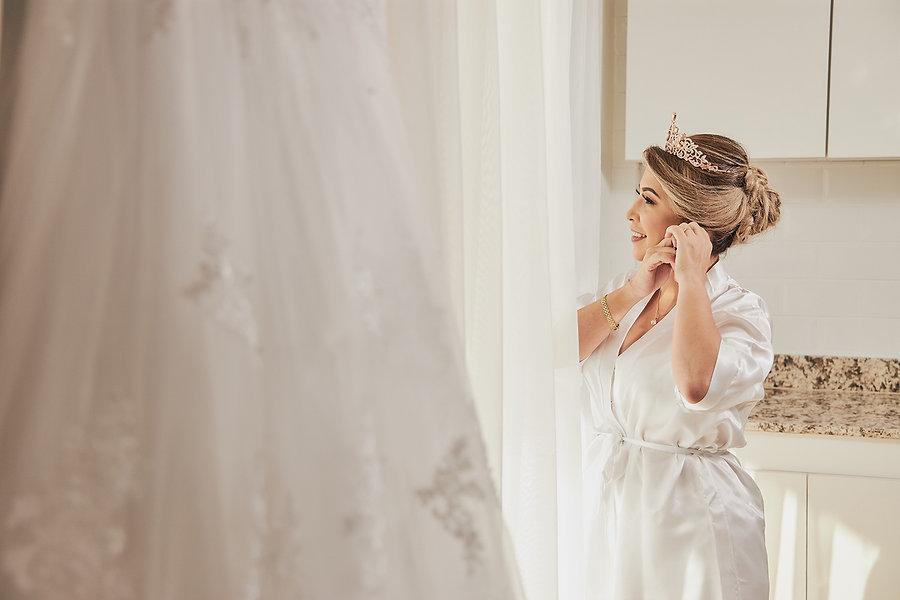 Fotografía de boda durante preparativos