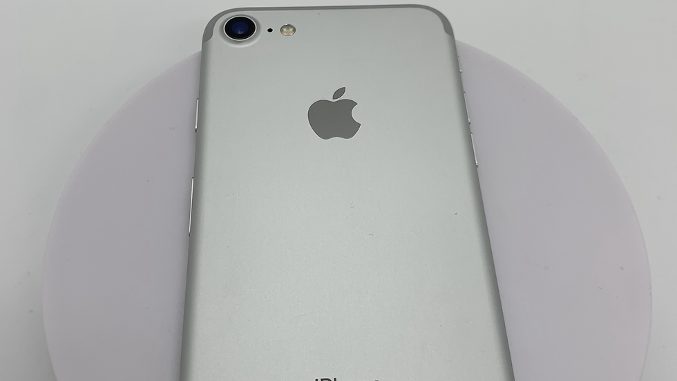 iPhone 7 32GB Silver o2 A (19)