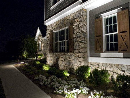Which Front Yard Decor Can Increase Your Home's Curb Appeal?