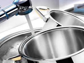 7 εύκολοι τρόποι να καθαρίσεις τη κατσαρόλα σου