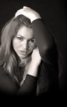 Magda_Inner_16_edited_edited.png