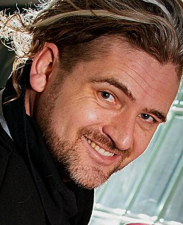 Daniel Kenel Portrait 1.jpeg