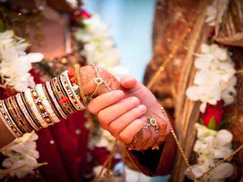 Second marriage valid, even when first marriage divorce is still pending: SC