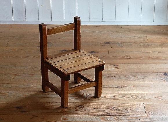 木製の子供椅子