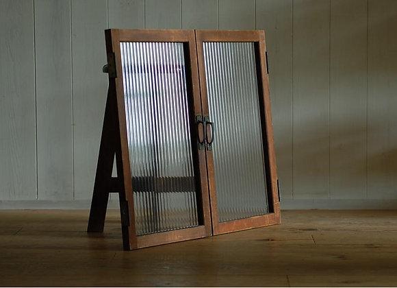モールガラスの両開き扉