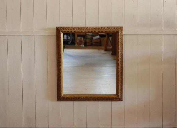 古い額縁の鏡②