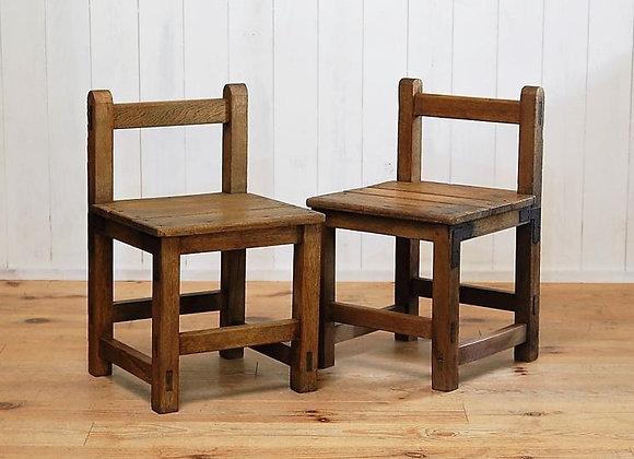 古い学校椅子 二脚