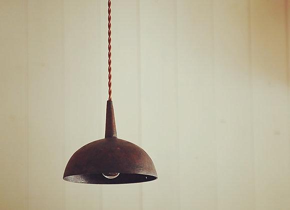 銅製漏斗の照明