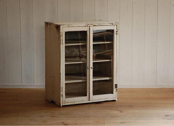 古い木製の靴置き 棚