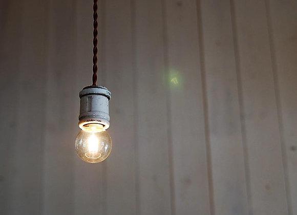 陶製ソケットの照明