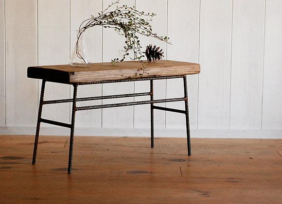 足場板古材を使ったディスプレイテーブル