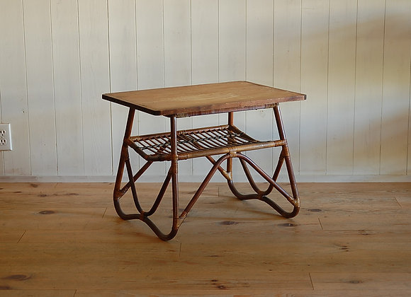 籐脚と古材天板のテーブル