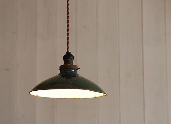 琺瑯シェードの吊り下げ照明