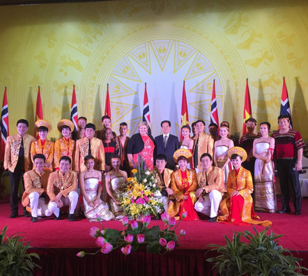 Thu Tuong Chi Le.jpg