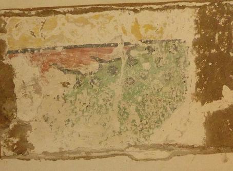 Restaura Belén: aparece la legendaria pintura mural del templo de Santiago